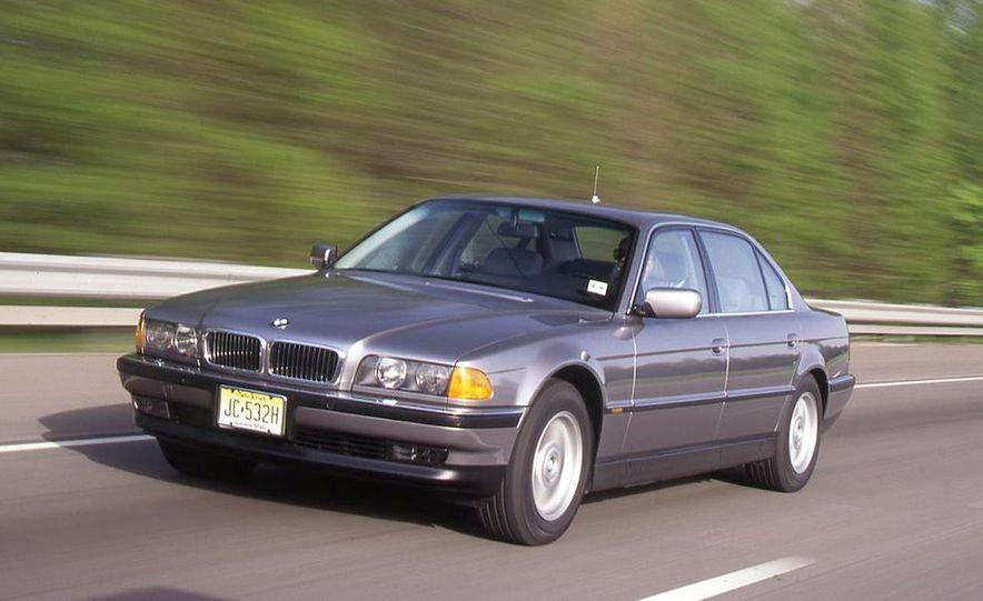 BMW 750iL, Jaguar XJ12, Mercedes-Benz S500 - Slide 11
