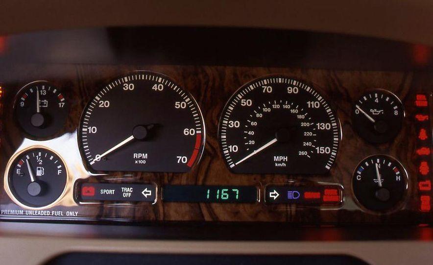 BMW 750iL, Jaguar XJ12, Mercedes-Benz S500 - Slide 5