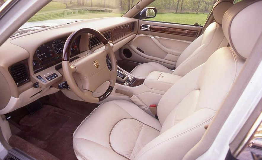 BMW 750iL, Jaguar XJ12, Mercedes-Benz S500 - Slide 4