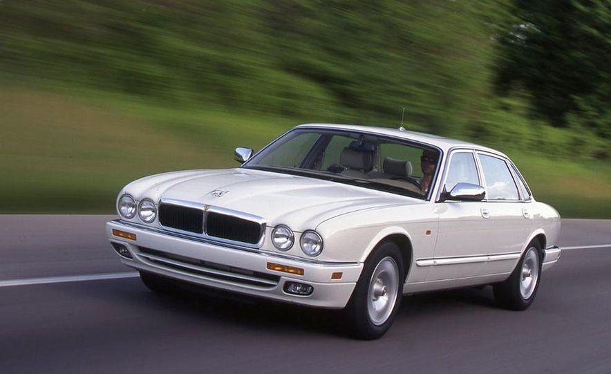 BMW 750iL, Jaguar XJ12, Mercedes-Benz S500 - Slide 2
