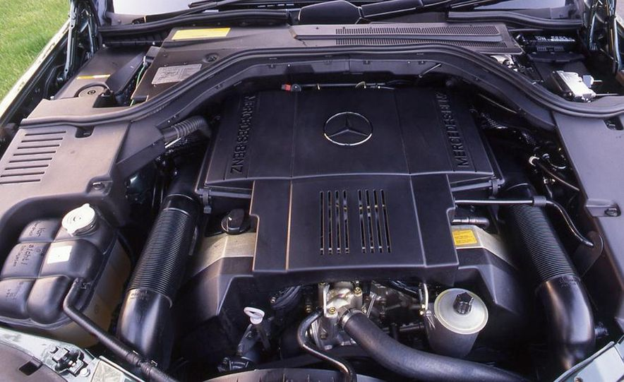 BMW 750iL, Jaguar XJ12, Mercedes-Benz S500 - Slide 10