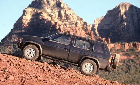 Nissan Pathfinder SE V6