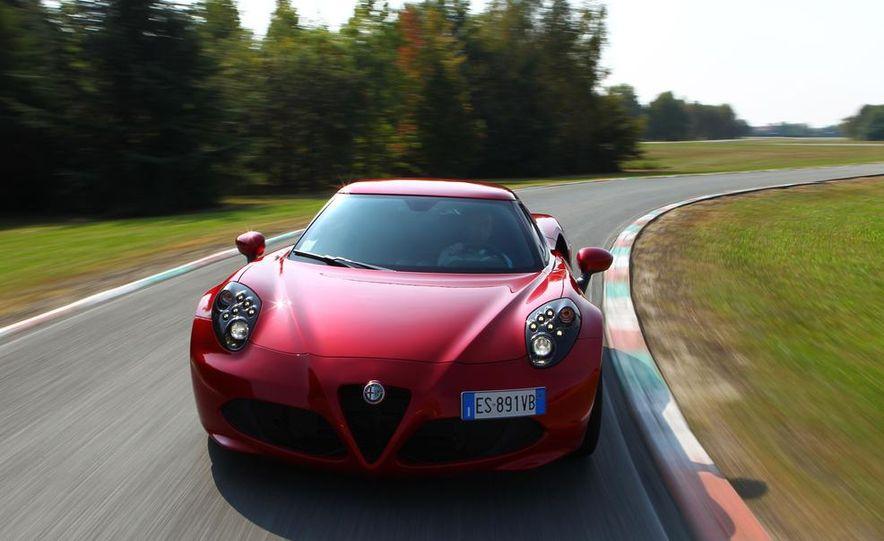 2014 Alfa Romeo 4Cs - Slide 18