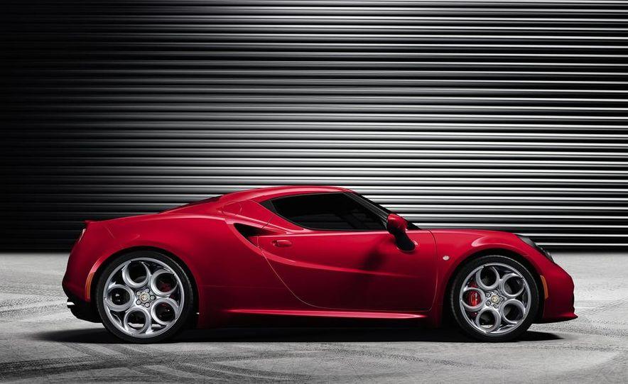 2014 Alfa Romeo 4Cs - Slide 36