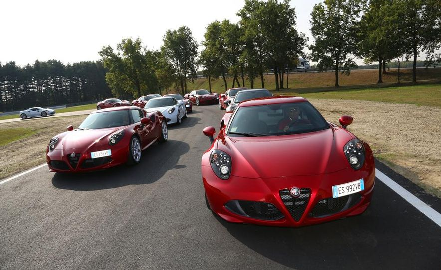 2014 Alfa Romeo 4Cs - Slide 3