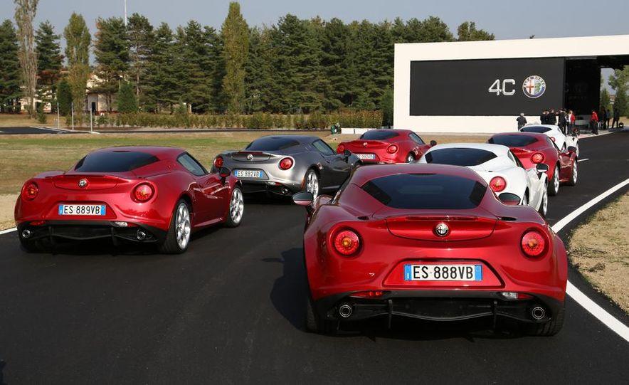 2014 Alfa Romeo 4Cs - Slide 6