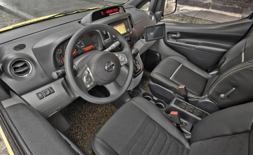 2014 Nissan NV200 Taxis - Slide 16