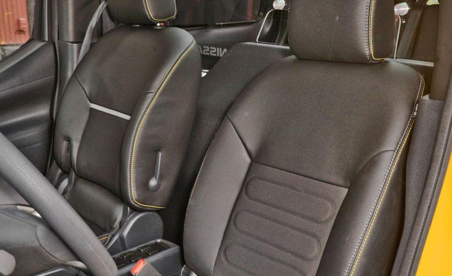 2014 Nissan NV200 Taxis - Slide 17