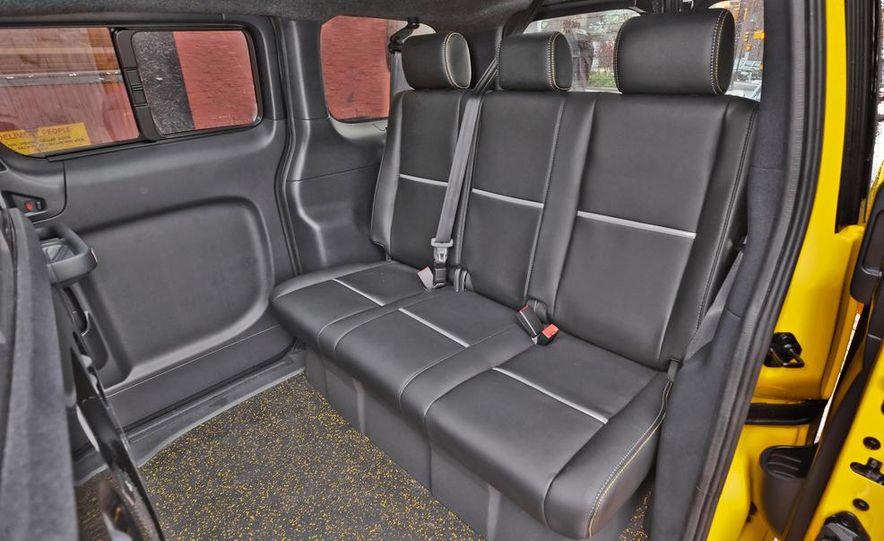 2014 Nissan NV200 Taxis - Slide 18