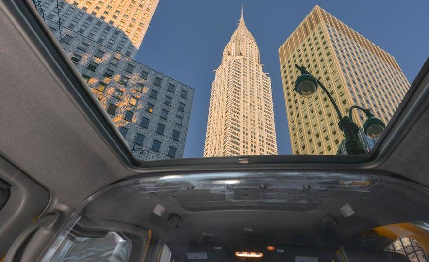 2014 Nissan NV200 Taxis - Slide 19