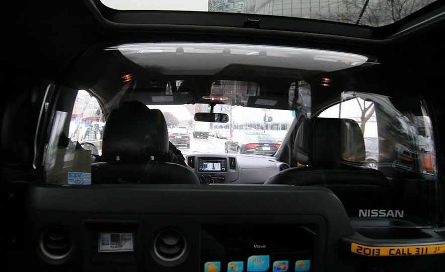 2014 Nissan NV200 Taxis - Slide 20