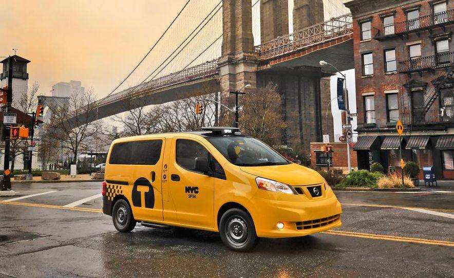 2014 Nissan NV200 Taxis - Slide 9