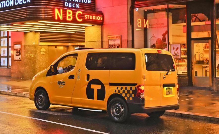 2014 Nissan NV200 Taxis - Slide 12
