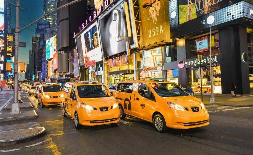 2014 Nissan NV200 Taxis - Slide 2