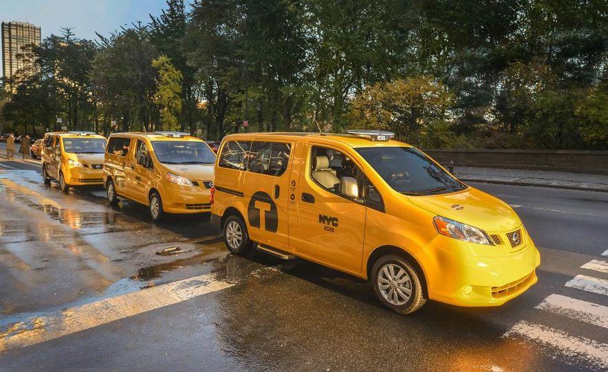 2014 Nissan NV200 Taxis - Slide 5