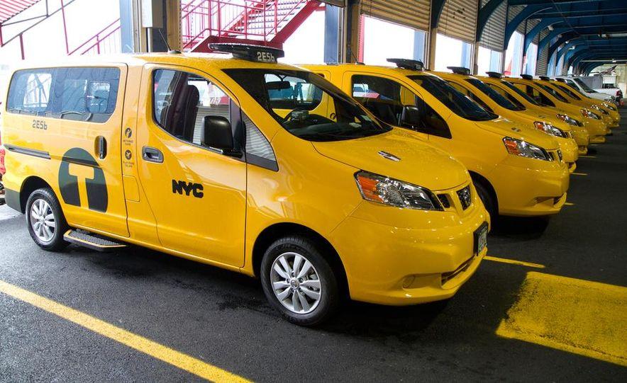 2014 Nissan NV200 Taxis - Slide 6