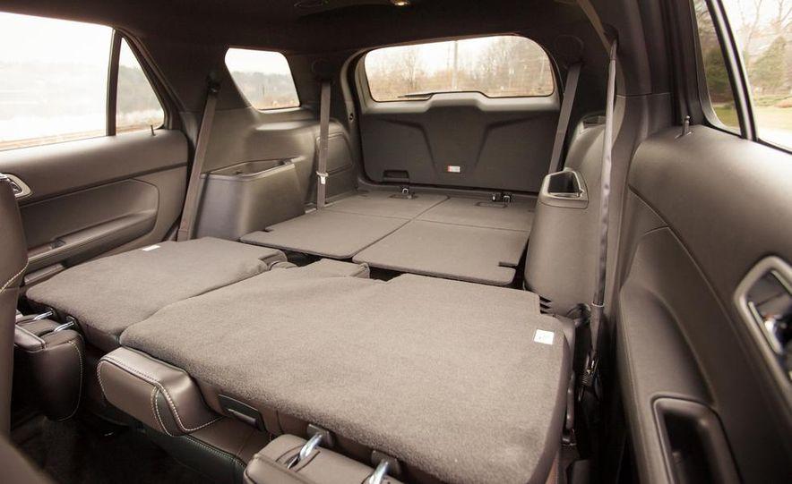 2015 Ford Explorer XLT - Slide 30