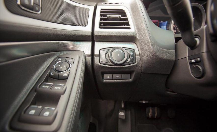 2015 Ford Explorer XLT - Slide 37