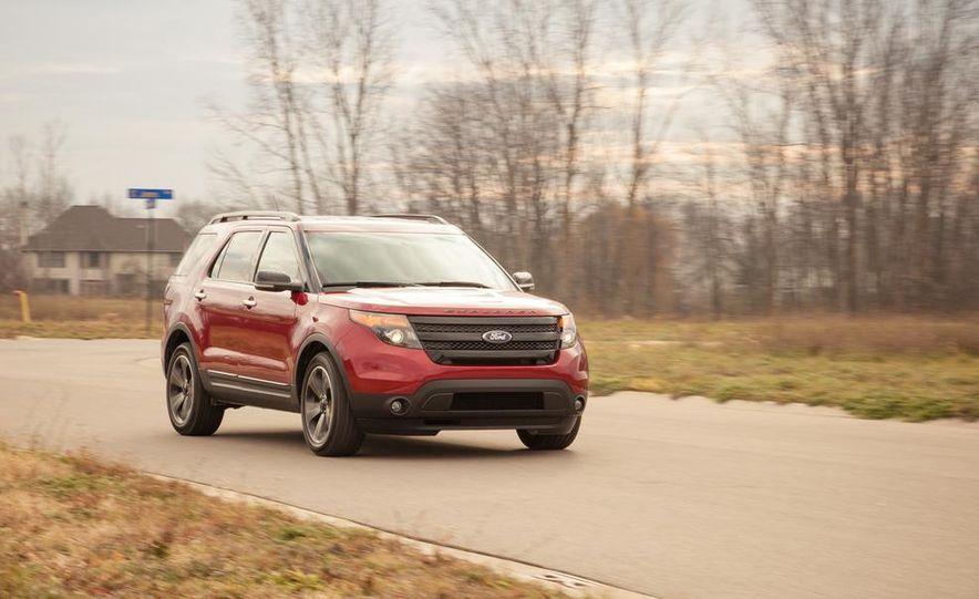2015 Ford Explorer XLT - Slide 4