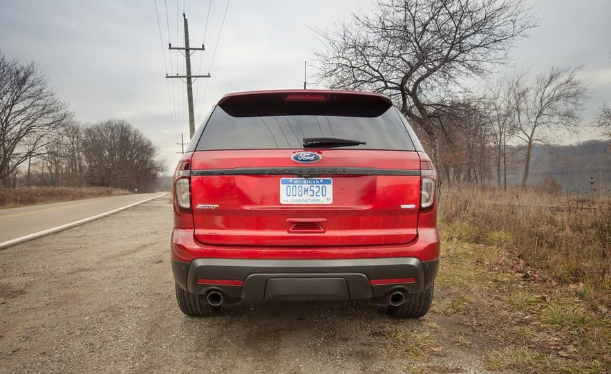 2015 Ford Explorer XLT - Slide 11