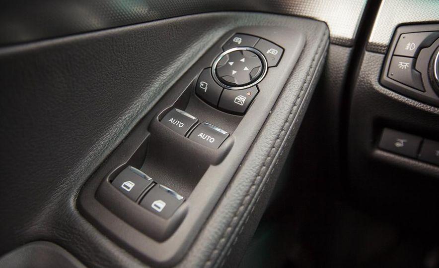 2015 Ford Explorer XLT - Slide 50