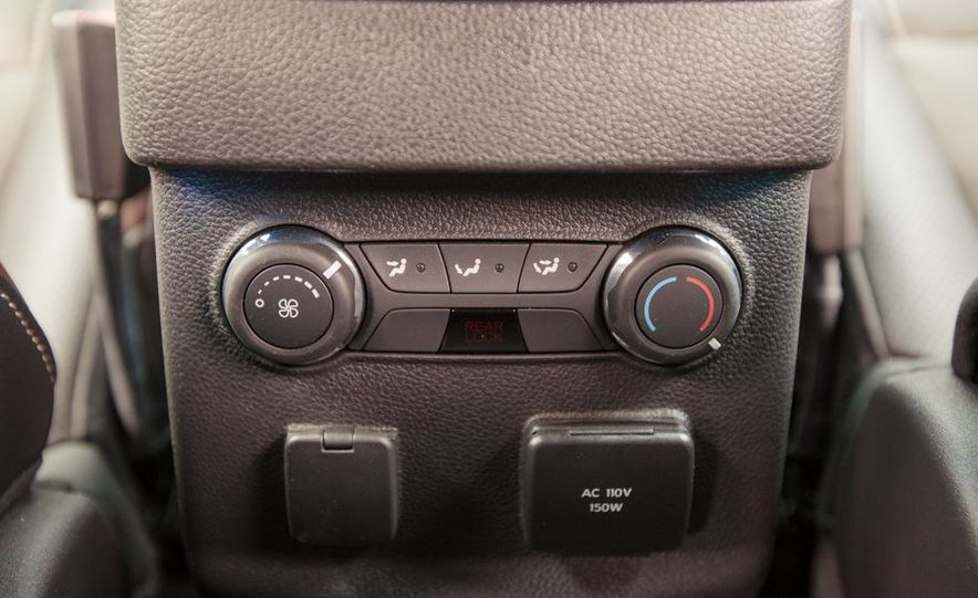 2015 Ford Explorer XLT - Slide 51