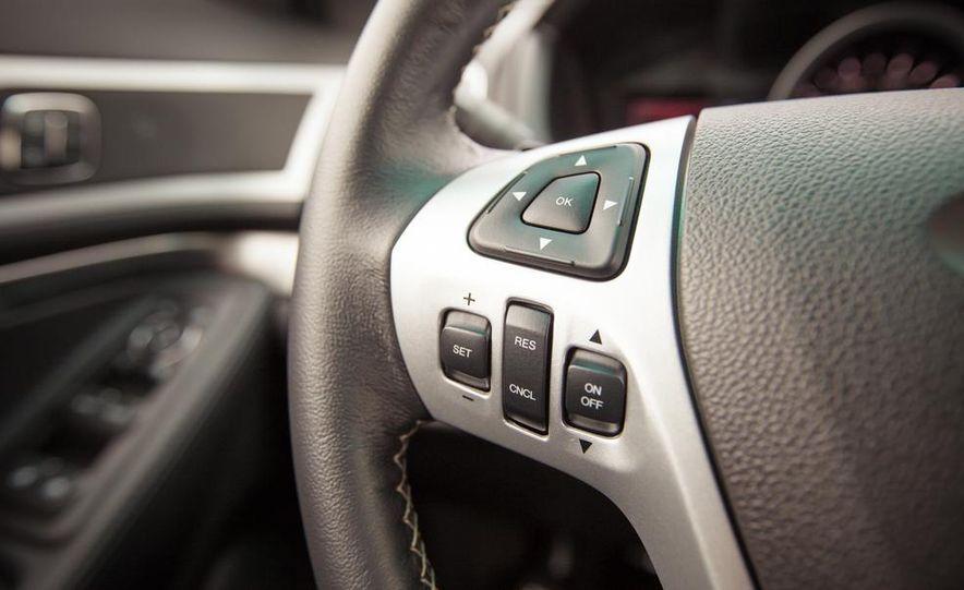 2015 Ford Explorer XLT - Slide 38