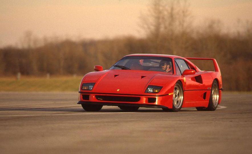 Ferrari F40 - Slide 1