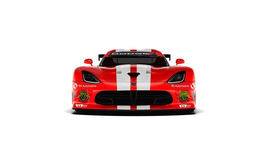 SRT Motorsports Viper GTS-R - Slide 1