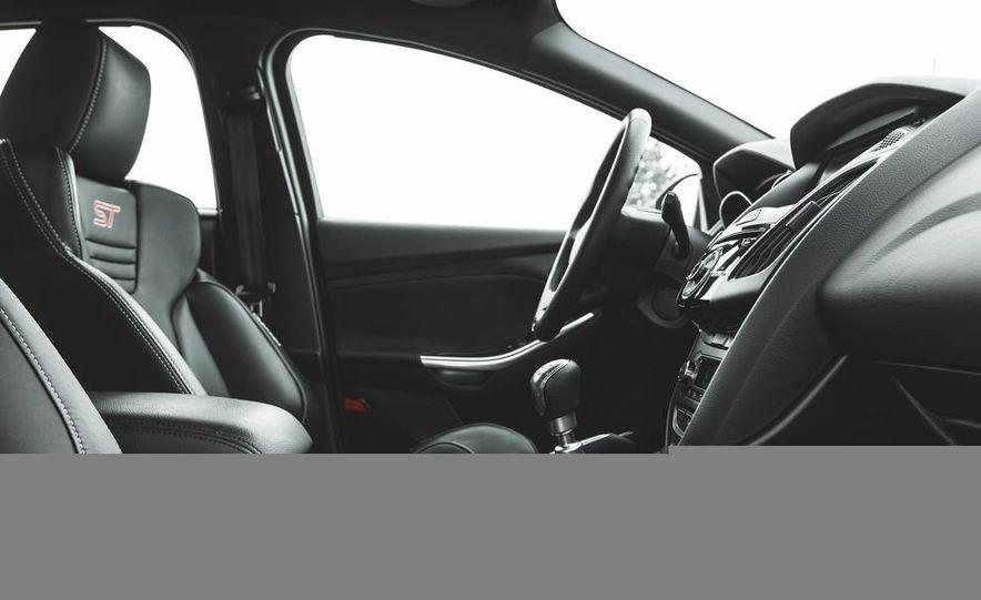 2014 Ford Focus ST - Slide 32