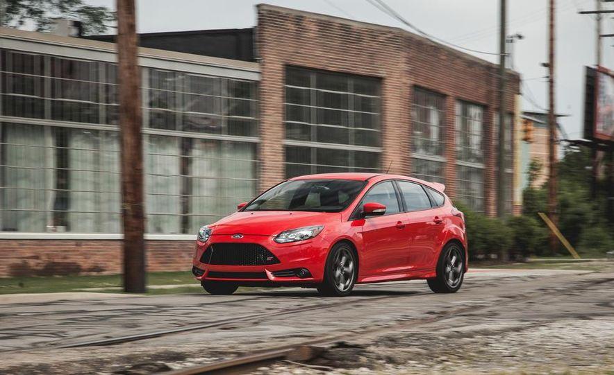 2014 Ford Focus ST - Slide 2