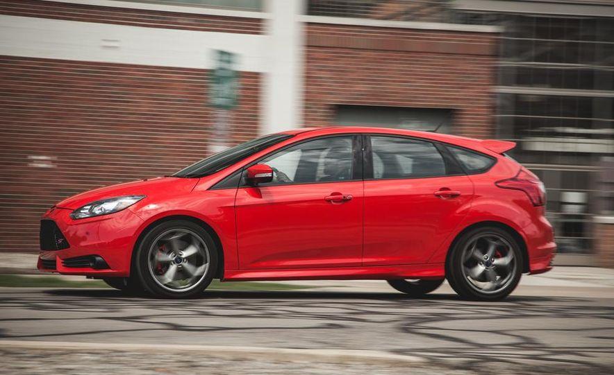 2014 Ford Focus ST - Slide 5