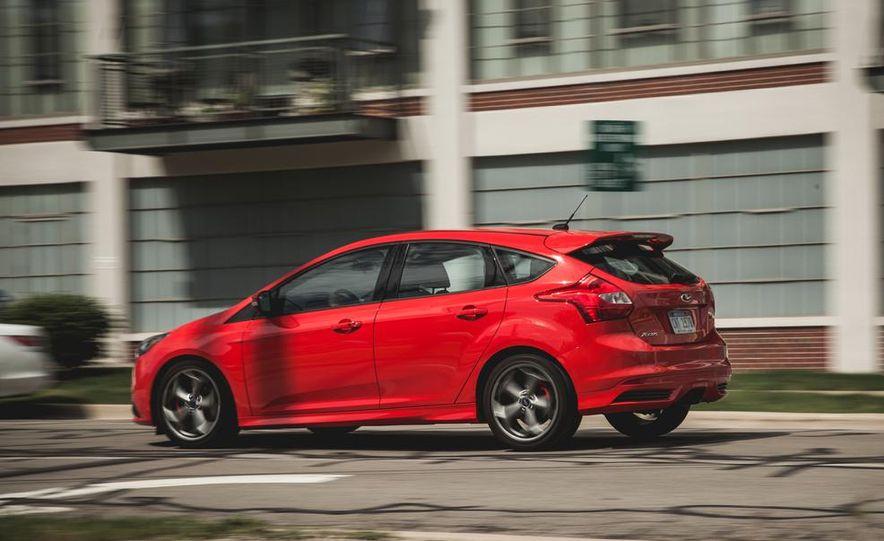 2014 Ford Focus ST - Slide 6