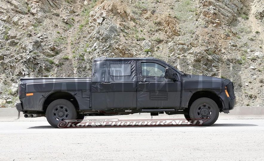2016 Ford F-250 Super Duty (spy photo) - Slide 16
