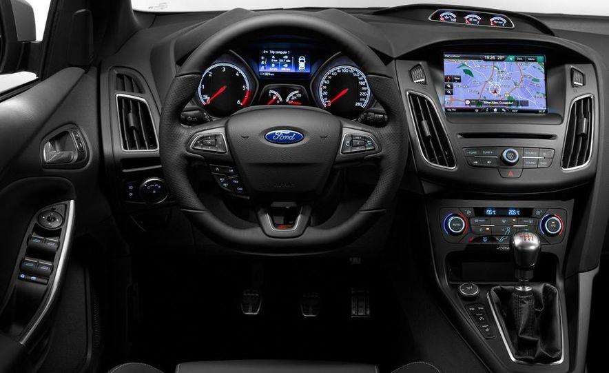 2015 Ford Focus ST diesels - Slide 9
