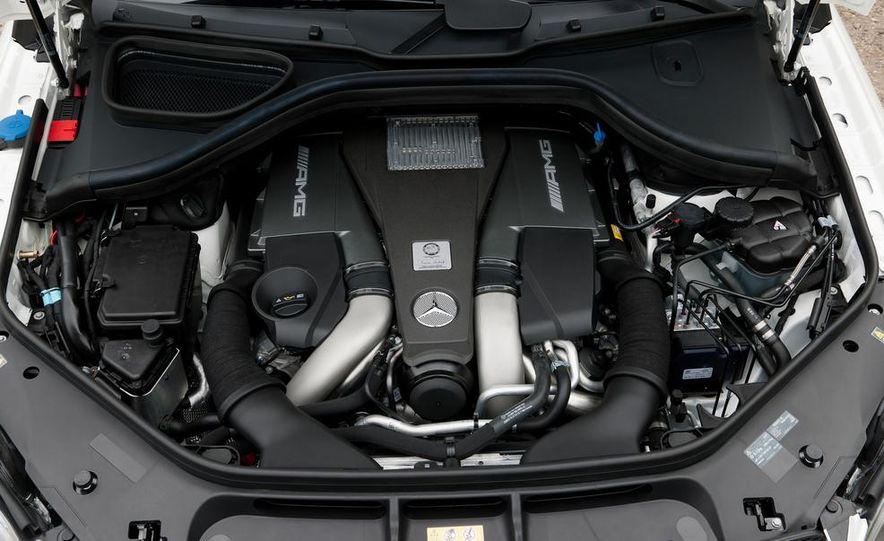 2014 Mercedes-Benz GL63 AMG - Slide 13