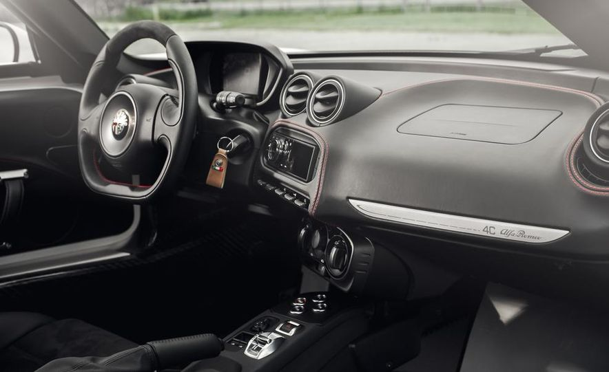 2015 Alfa Romeo 4C - Slide 26