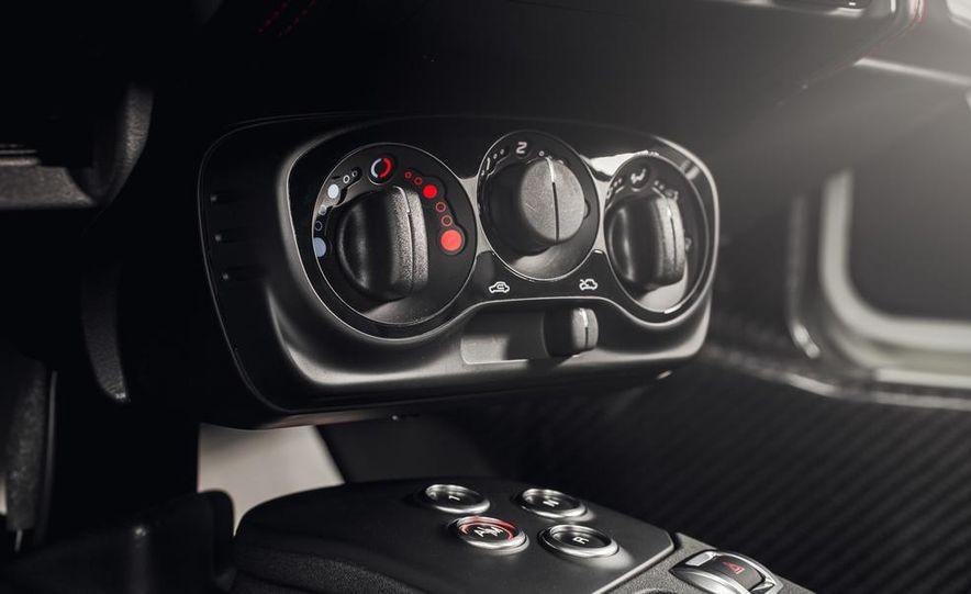 2015 Alfa Romeo 4C - Slide 35
