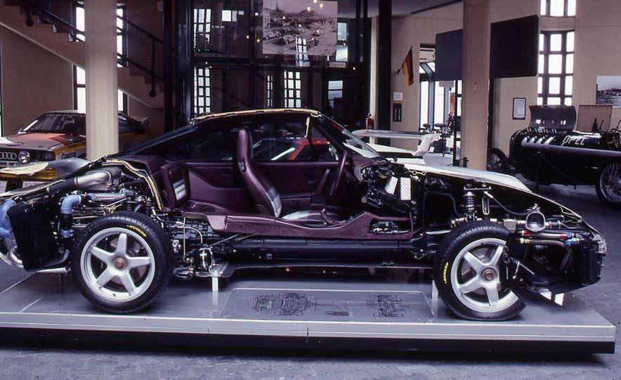 Porsche 959 - Slide 7