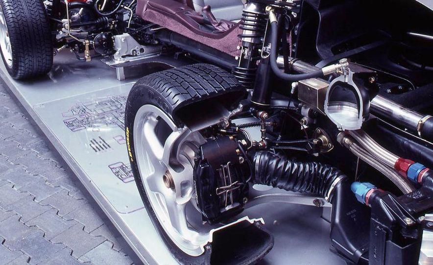 Porsche 959 - Slide 11