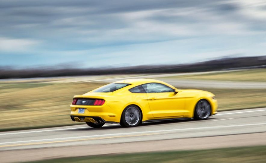 2015 Ford Mustang 2.3L EcoBoost - Slide 9