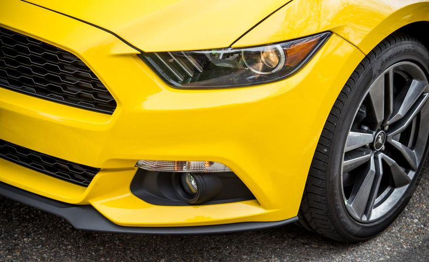 2015 Ford Mustang 2.3L EcoBoost - Slide 15