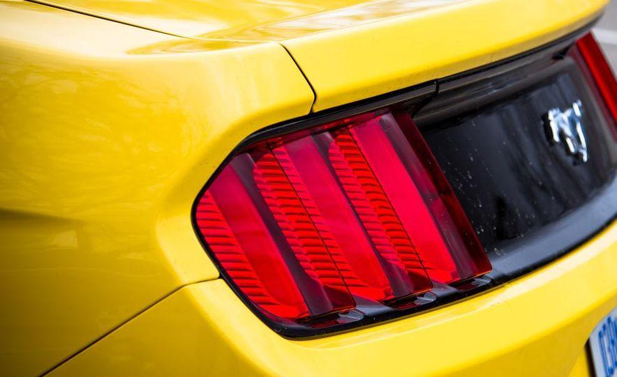 2015 Ford Mustang 2.3L EcoBoost - Slide 22