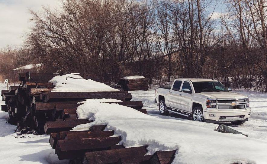 2014 Chevrolet Silverado 1500 High Country - Slide 4