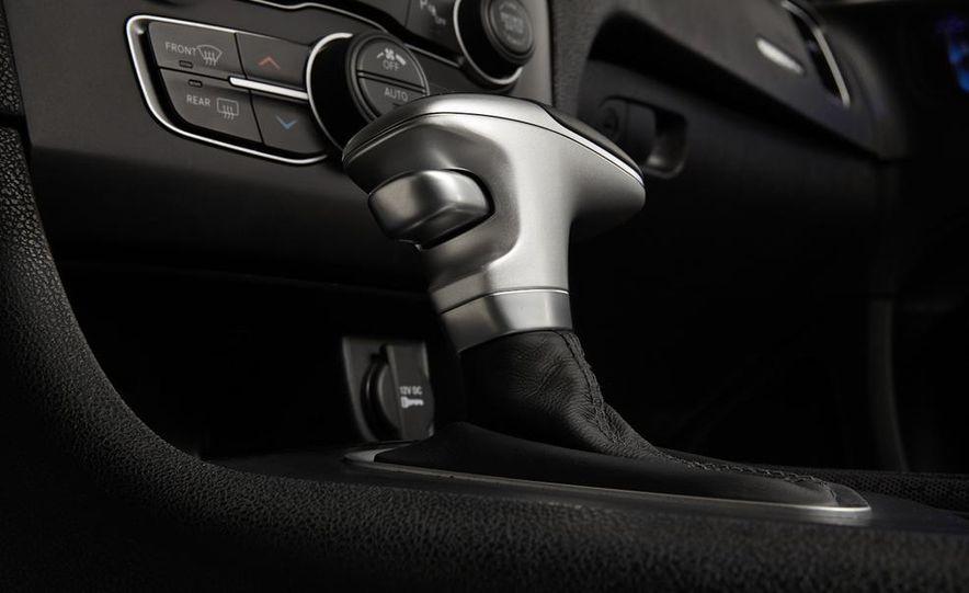 2015 Dodge Charger R/T - Slide 47