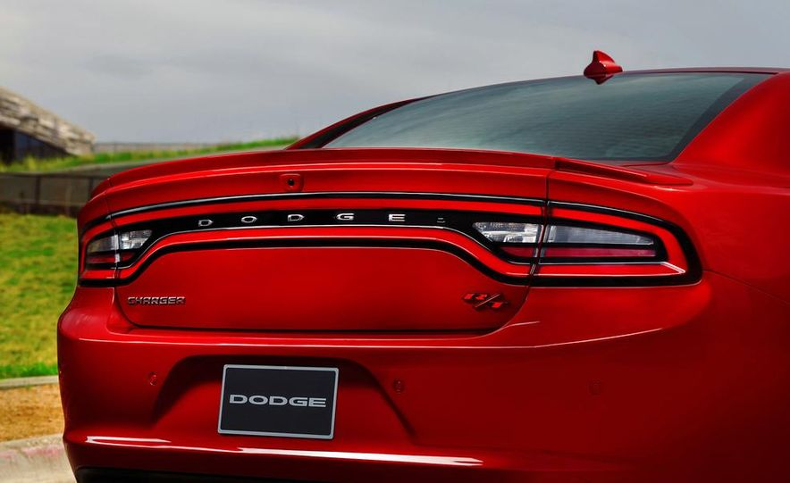 2015 Dodge Charger R/T - Slide 31