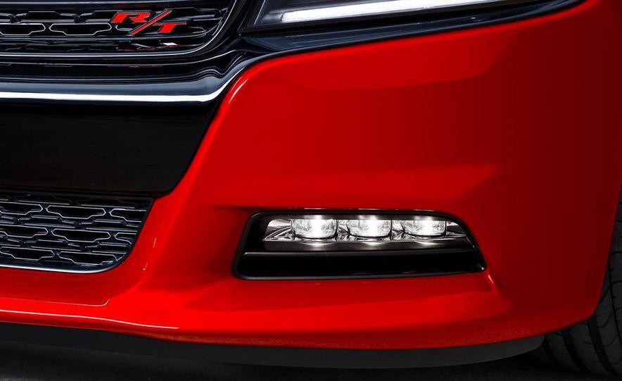 2015 Dodge Charger R/T - Slide 38