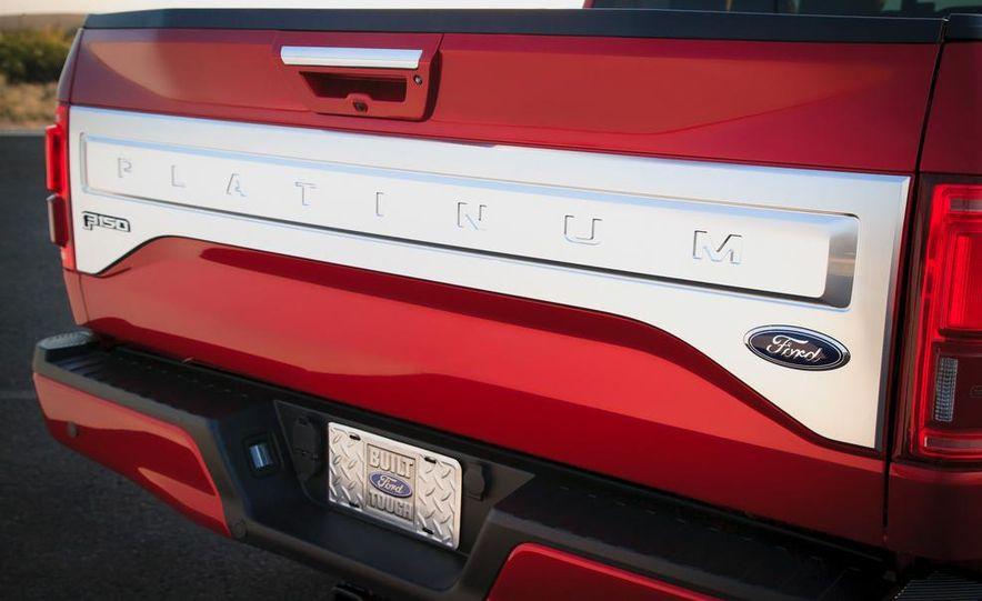 2015 Ford F-150 2.7L EcoBoost Crew Cab 4x4 - Slide 11