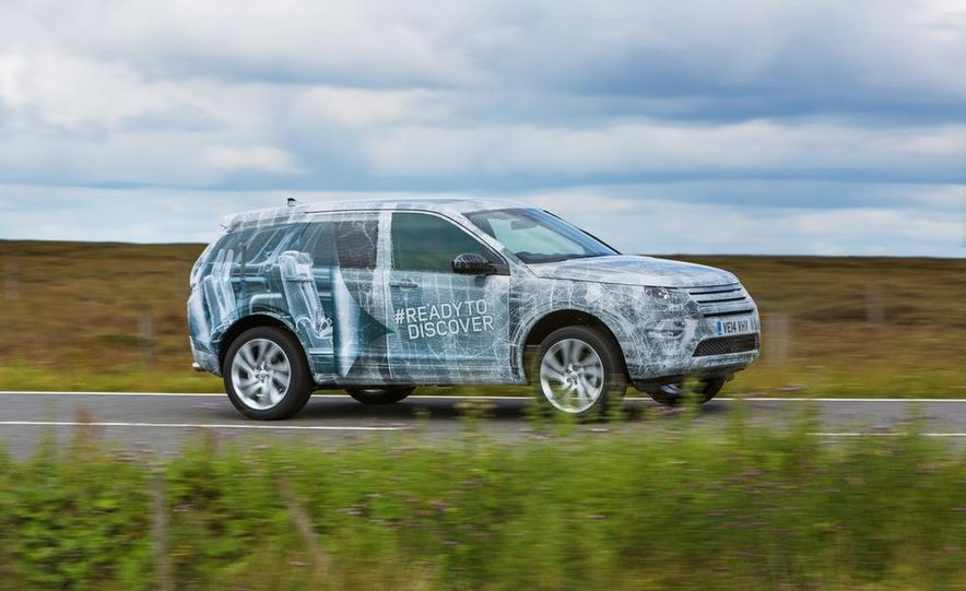 2016 Land Rover Discovery Sport - Slide 1