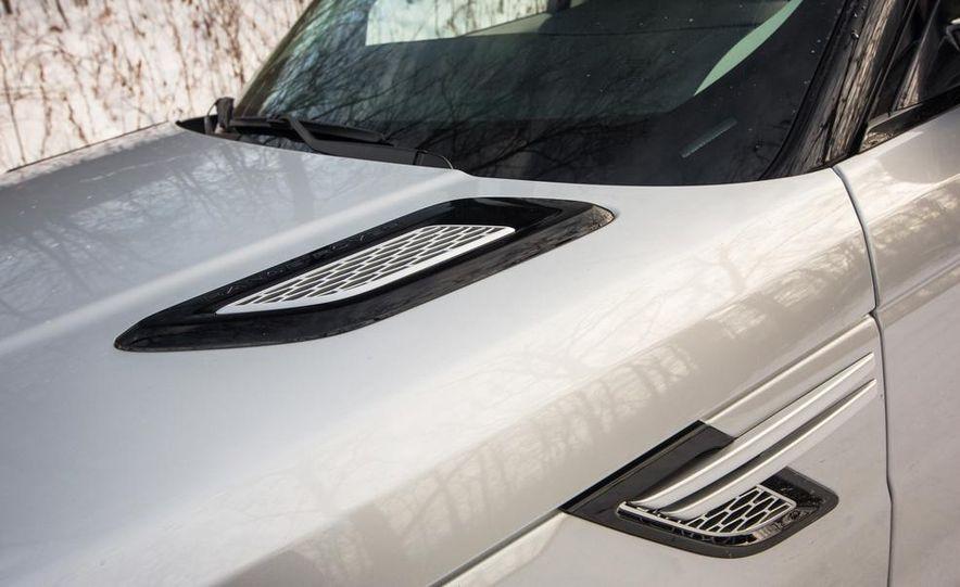 2015 Land Rover Range Rover SVR - Slide 30